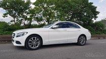 Cần bán xe C200, sản xuất 2014, số tự động màu trắng