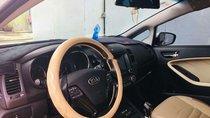 Bán xe Kia Cerato sản xuất 2018, màu trắng, xe gia đình