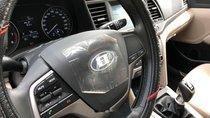 Cần bán xe Hyundai Elantra số sàn, mới đi hơn 4000km đời 2018, màu trắng