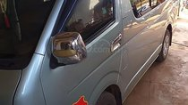 Cần bán gấp Toyota Hiace 2.5 đời 2010, xe đầu búa, nội thất đẹp, còn khá mới, ít trầy xước