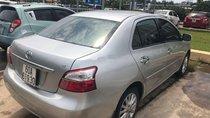 Cần bán lại xe Toyota Vios 2010, màu bạc, xe nhập xe gia đình