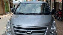 Cần bán lại xe Hyundai Starex đời 2016, màu bạc, nhập khẩu, đăng ký 2016