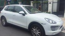 Bán xe Porsche Cayenne sản xuất 2014, màu trắng, nhập khẩu, giao dịch chính chủ