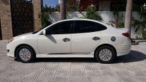 Cần bán lại xe Hyundai Avante đời 2011, màu trắng, nhập khẩu, 319tr
