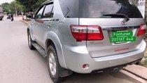 Bán Toyota Fortuner 2011, màu bạc, chính chủ
