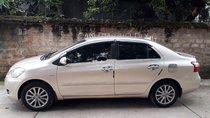 Bán Toyota Vios đời 2011, màu bạc, xe gia đình