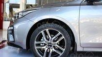 Cần bán xe Kia Cerato Deluxe sản xuất năm 2019, màu bạc giá cạnh tranh