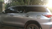 Cần bán lại xe Toyota Fortuner sản xuất 2017, màu bạc