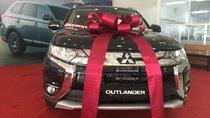 Cần bán xe Mitsubishi Outlander sản xuất năm 2019, màu đen