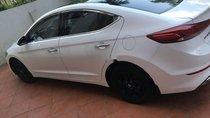 Bán Hyundai Elantra đời 2018, màu trắng, xe gia đình