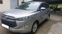 Xả lỗ bán xe Toyota Innova 9/2018 biển SG 51G, xe màu bạc