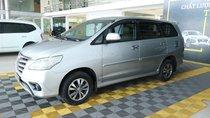 Bán ô tô Toyota Innova E 2.0MT đời 2015, màu bạc, 556 triệu