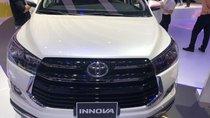 Bán xe Toyota Innova 2.0 AT Ventuner, màu trắng Ngọc Trai - Thanh toán 250 tr nhận xe