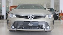 Cần bán Toyota Camry 2.5G đời 2016, màu vàng, biển SG