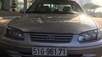 Thanh lý xe Toyota Camry đời 2000, màu vàng, xe nhập, giá 260tr