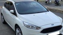 Cần bán Ford Focus Trend sản xuất năm 2017, màu trắng, giá tốt