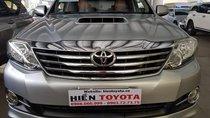 Toyota Fortuner 2.4G máy dầu 2015, màu bạc, giá chỉ 820 triệu