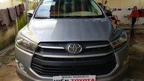 Bán Toyota Innova 2.0E năm 2017, màu xám (ghi), 670 triệu