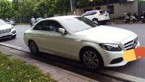 Chính chủ bán xe Mercedes C200 đời 2017, màu trắng, nhập khẩu nguyên chiếc