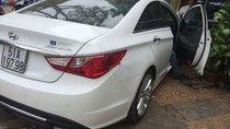 Cần bán xe Hyundai Sonata 2.0 sản xuất 2011, màu trắng, nhập khẩu