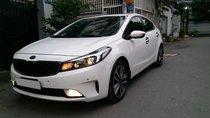 Mình cần bán Kia Cerato 2017 tự động, màu trắng, xe tuyệt đẹp