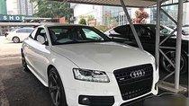 Cần bán Audi A5 2010, màu trắng, nhập khẩu nguyên chiếc xe gia đình