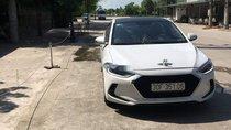 Cần bán Hyundai Elantra năm sản xuất 2018, màu trắng, xe nhập