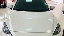 Bán xe Mazda 2 Deluxe 2019, màu trắng, nhập khẩu