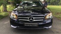 Bán Mercedes E250 2017 xanh đen, xe lướt 25.000km, còn bảo hành chính hãng đến 2021