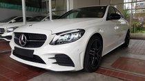 Cần bán Mercedes C300 AMG đời 2019, màu trắng