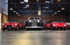 Phòng trưng bày Fantasy Junction với những chiếc xe cổ đáng mơ ước