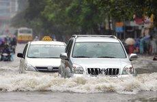 Làm gì khi ô tô bị ngập nước?