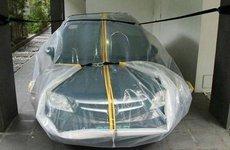 Sử dụng túi ni-lông để cứu ô tô bị ngập nước