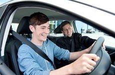 Các yếu tố ảnh hưởng đến giá bảo hiểm xe ô tô