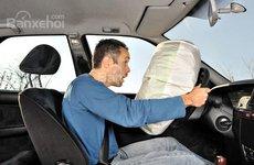 Túi khí không bung trong trường hợp nào?