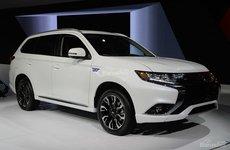 Mitsubishi Outlander PHEV là mẫu plug-in thứ tư cán mốc doanh số 100.000 xe