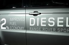 Jaguar Land Rover vẫn trung thành với động cơ diesel tại Anh