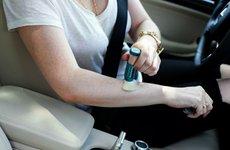 12 đồ dùng tránh để trong xe ô ô khi đỗ lâu dưới trời nắng nóng