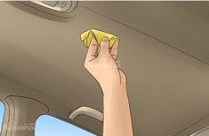 Các bước để vệ sinh phần trần mái bên trong xe