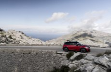 Mini Countryman JCW mở bán tại Châu Âu, giá hơn 30.000 bảng