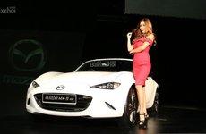 Mazda MX-5 RF 2017 trình làng Malaysia với giá 242.000 ringgit