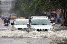 Giải pháp hạn chế thiệt hại khi ô tô 'bơi' trong nước
