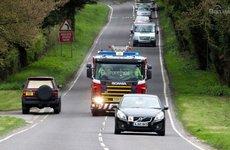 Lời khuyên để lái xe an toàn khi đi gần xe ưu tiên