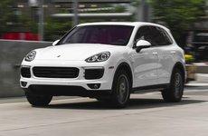 Mua xe Porsche Cayenne: Cơ hội khám phá nước Ý cho người Việt