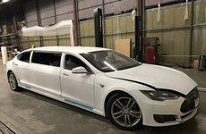Chiếc Tesla Model S độ limousine đầu tiên được rao bán trên ebay
