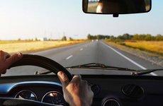 Kinh nghiệm 'vàng' giúp lái xe ô tô an toàn dịp lễ 30/4