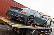 Porsche 911 Turbo S màu xám lông chuột vừa cập cảng Việt Nam