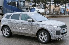 Range Rover Evoque 2019 bị phát hiện chạy thử trên phố