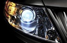 Cách vệ sinh đèn pha ô tô sạch bóng