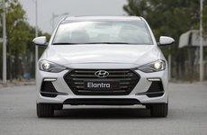 Hyundai Elantra Sport 2018 và bản tiêu chuẩn khác nhau thế nào qua ảnh?
